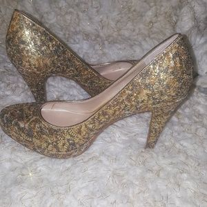 Stunning Lace Gold Glitter Nine West Heels 6M New
